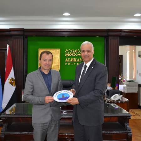 Alexandria University studies cooperation with French